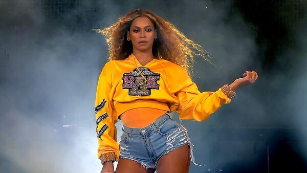 Beyoncé en el festival Coachella 2018 - Sputnik Mundo