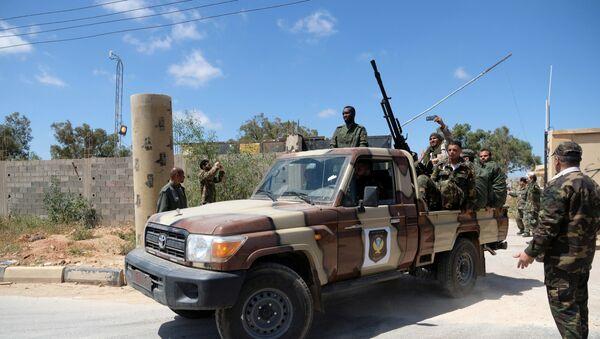 Los miembros del Ejército Nacional Libio (LNA), comandados por Khalifa Haftar en Trípoli - Sputnik Mundo