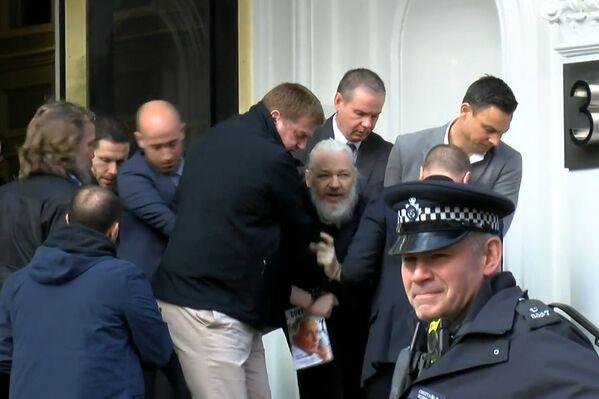 Julian Assange, creador de Wikileaks detenido por la policía de Reino Unido - Sputnik Mundo