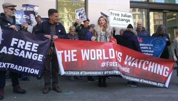 Situación cerca de la Corte de Magistrados de Westminster tras el arresto de Assange - Sputnik Mundo