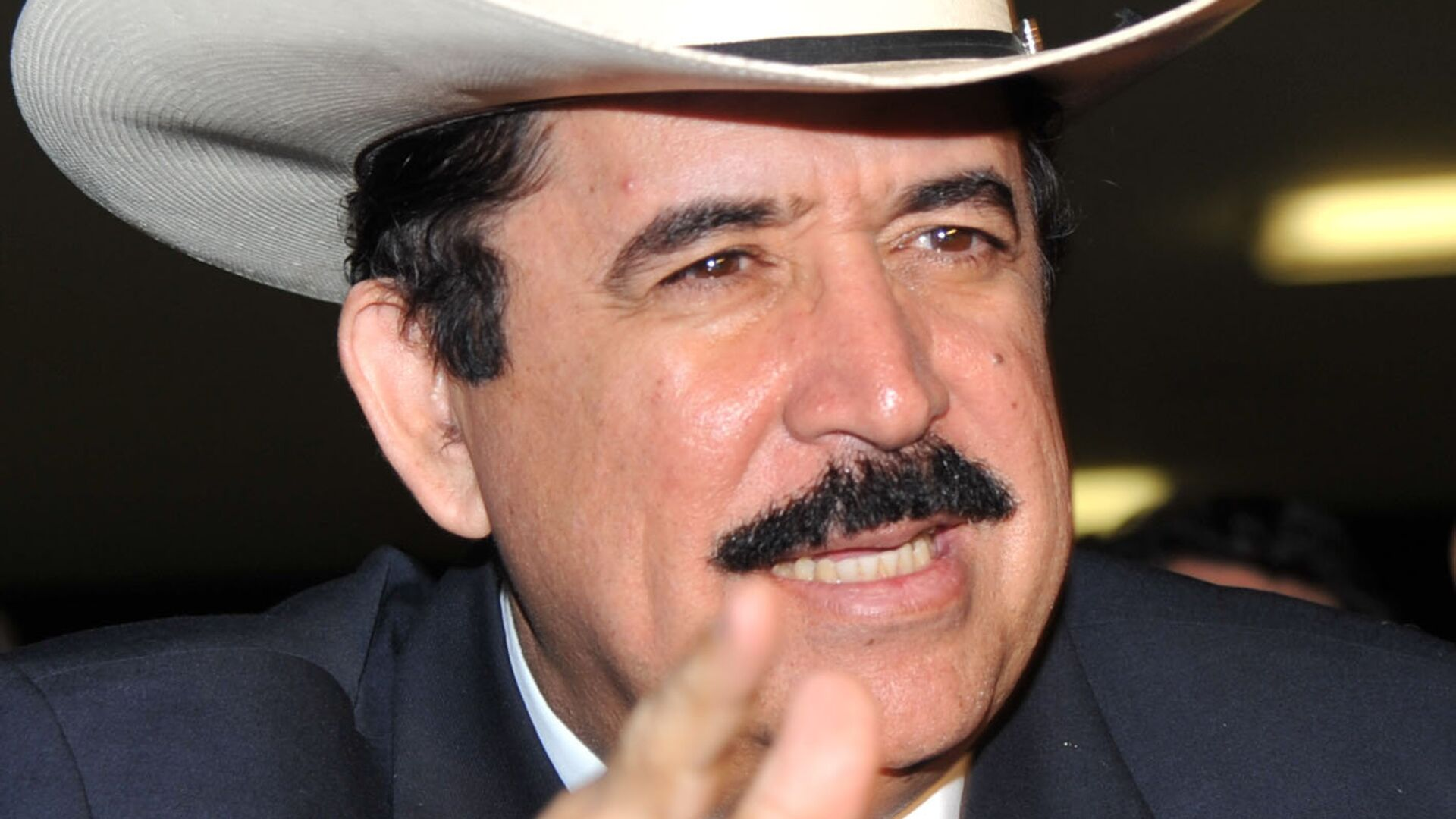 Manuel Zelaya, expresidente de Honduras - Sputnik Mundo, 1920, 25.06.2021