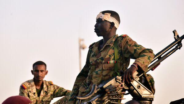 Soldado del Ejército de Sudán - Sputnik Mundo
