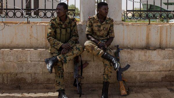 Militares sudaneses - Sputnik Mundo