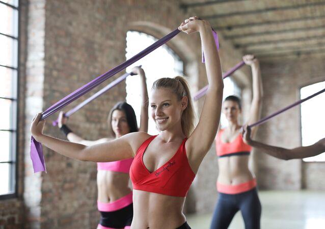 Chicas en el gimnasio (Archivo)