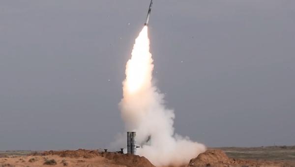 Las unidades de los S-300 ponen a prueba su puntería en Rusia - Sputnik Mundo