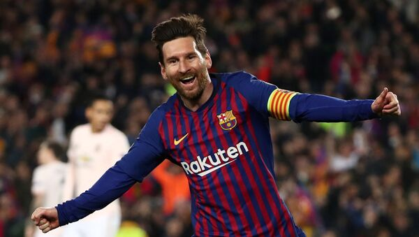 El argentino Lionel Messi celebra un gol con la camiseta del Barcelona - Sputnik Mundo