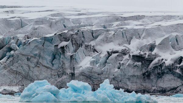 El archipiélago Svalbard es un archipiélago situado en el océano Glacial Ártico - Sputnik Mundo