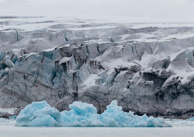 El archipiélago Svalbard es un archipiélago situado en el océano Glacial Ártico