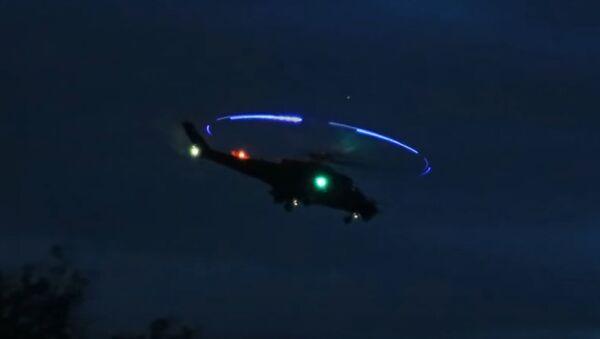 Despegue nocturno de los Mi-24 húngaros - Sputnik Mundo