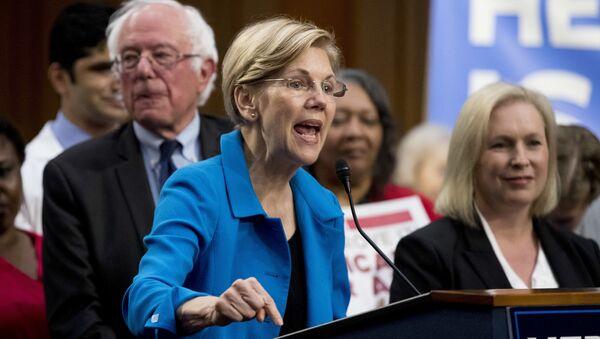 La senadora Elizabeth Warren - Sputnik Mundo