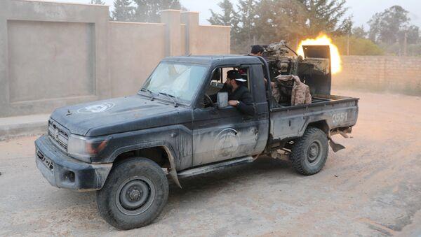 Combates en Trípoli, Libia - Sputnik Mundo