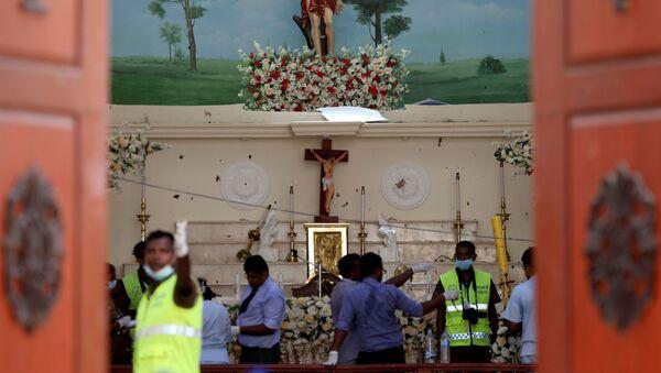 La iglesia en Negombo donde se produjo una explosión - Sputnik Mundo