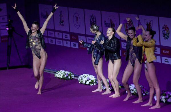 Elegancia y destreza: la gala de la Serie Mundial de Natación, en imágenes - Sputnik Mundo