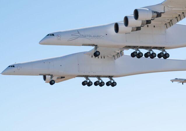 El avión portador del sistema Stratolaunch