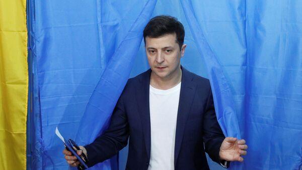 Volodímir Zelenski, ganador de las eelciones presidenciales en Ucrania - Sputnik Mundo