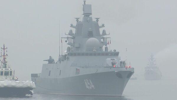 Una celebración por todo lo alto: la fragata rusa Almirante Gorshkov llega a China - Sputnik Mundo