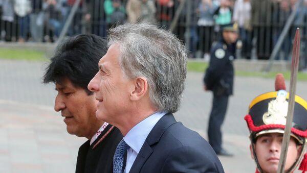 El presidente de Bolivia, Evo Morales junto al presidente de Argentina, Mauricio Macri - Sputnik Mundo