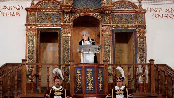 La poeta uruguaya Ida Vitale recibe en Alcalá de Henares el Premio Cervantes - Sputnik Mundo