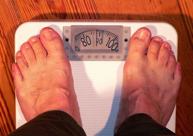 Una persona obesa, referencial