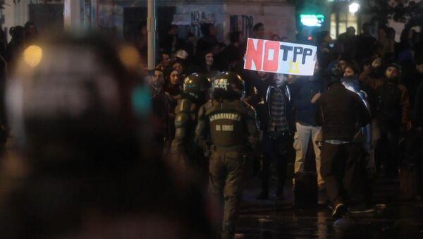 Varios detenidos en Santiago durante la protesta anti-TPP - Sputnik Mundo