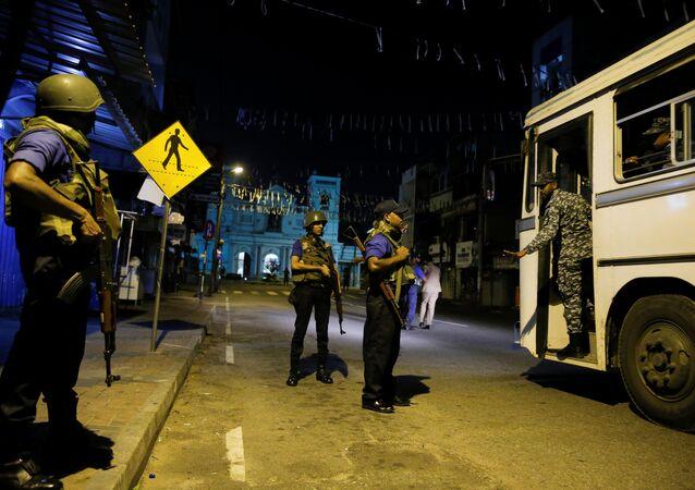 Militares en el lugar del atentado en Sri Lanka