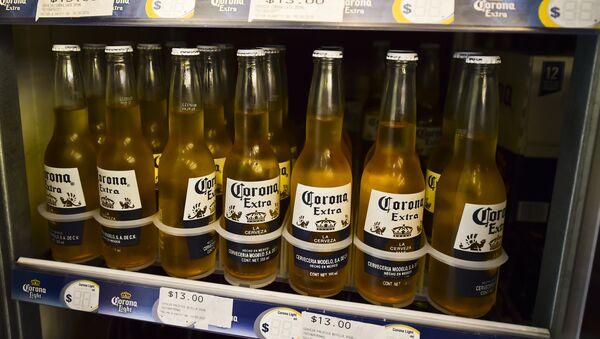 Corona, cerveza mexicana - Sputnik Mundo