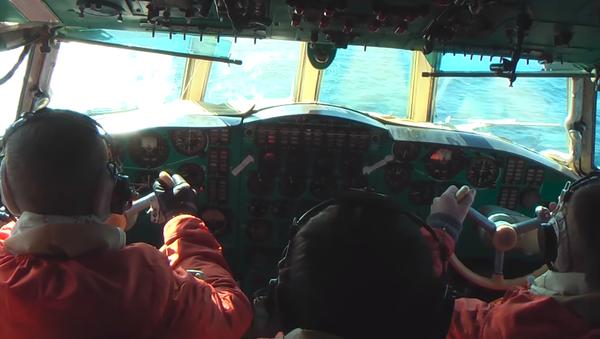 Los pilotos rusos muestran cómo 'cazar' submarinos enemigos (vídeo) - Sputnik Mundo