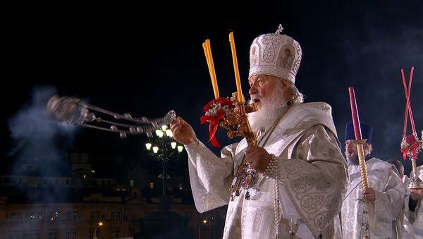 Rusia celebra la Pascua con una misa en la principal catedral ortodoxa del país - Sputnik Mundo