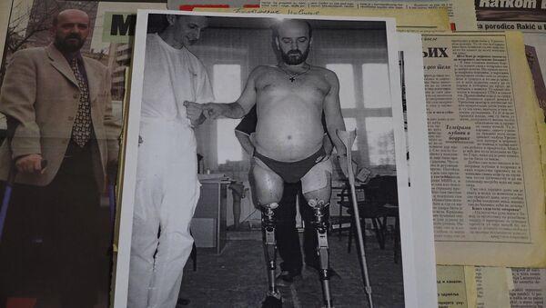 Fuerza de espíritu inquebrantable: la OTAN le arrancó las piernas, pero él sigue contando su historia - Sputnik Mundo
