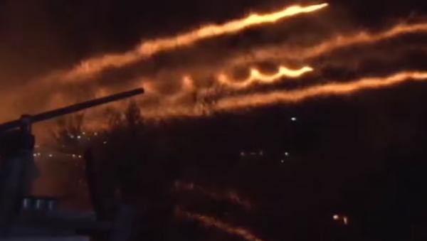 La 'guerra de las iglesias' ilumina los cielos de Grecia - Sputnik Mundo