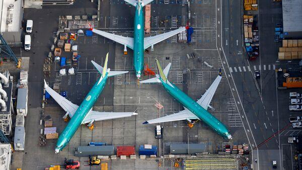 Aviones en la fábrica de Boeing de Renton, EEUU - Sputnik Mundo