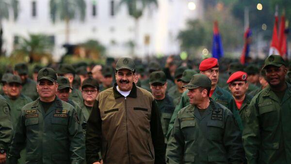 Nicolás Maduro, presidente de Venezuela durante la marcha militar en Caracas - Sputnik Mundo