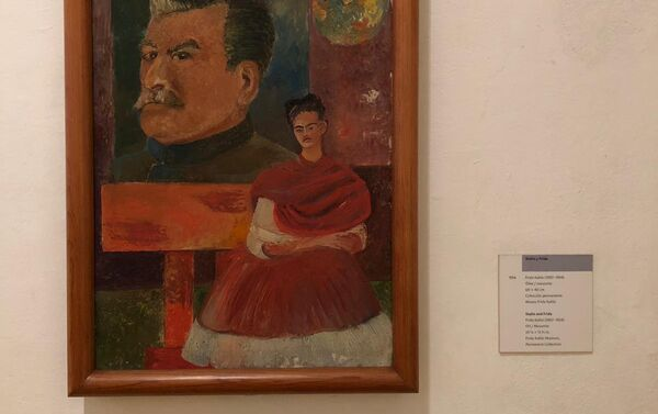 Cuadros de Frida Kahlo en exhibición en La Casa Azul - Sputnik Mundo