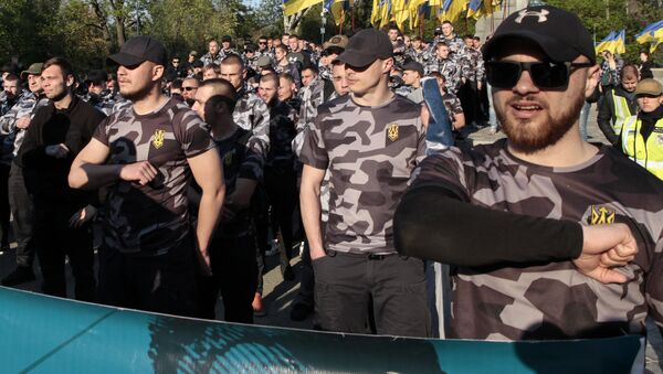 Nacionalistas ucranianos marchan en el 5º aniversario de la masacre de Odesa, Ucrania, el 2 de mayo de 2019 - Sputnik Mundo