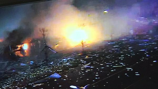 Imágenes de una cámara de vigiláncia en el local de la explosión de una planta en Waukegan - Sputnik Mundo