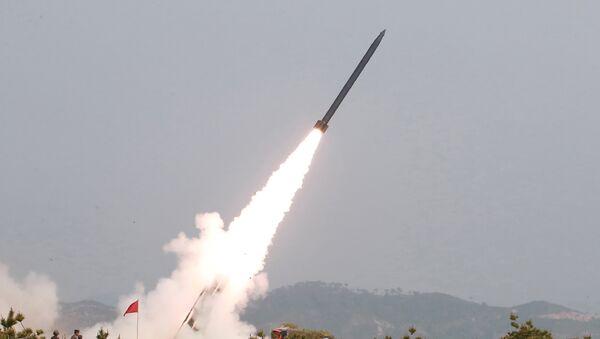 Ensayo de armas de Corea del Norte - Sputnik Mundo