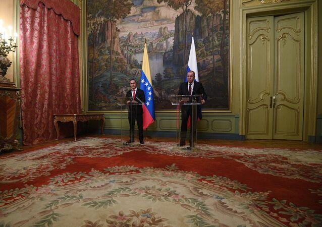 Jorge Arreaza, canciller venezolano, durante la reunión con su homólogo ruso, Serguéi Lavrov