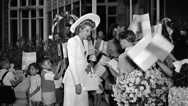 Eva Perón durante una visita a París en 1947 - Sputnik Mundo