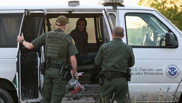 Detención de los migrantes en EEUU - Sputnik Mundo