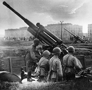 Moscú hoy y durante la Gran Guerra Patria, vista por fotógrafos de Sputnik
