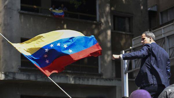 Juan Guaidó, líder opositor de Venezuela, en una manifestación a favor de él - Sputnik Mundo