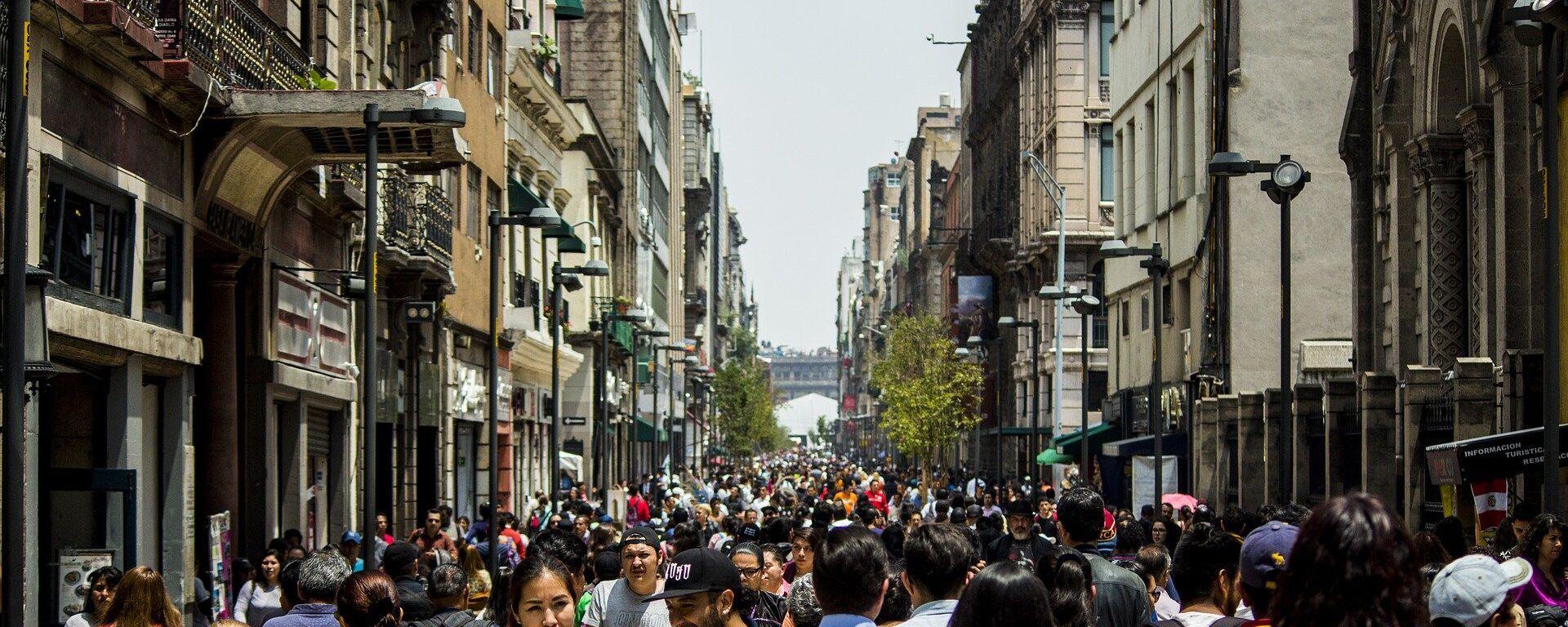 La gente en las calles de Ciudad de México - Sputnik Mundo, 1920, 25.08.2021