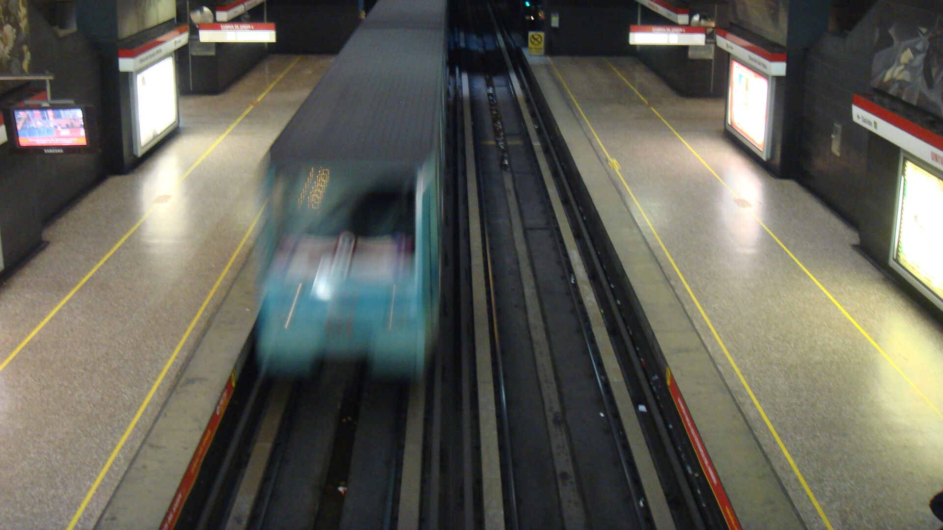 El metro de Santiago de Chile - Sputnik Mundo, 1920, 10.03.2021