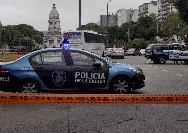 La Policía argentina en el lugar del ataque al diputado Héctor Olivares