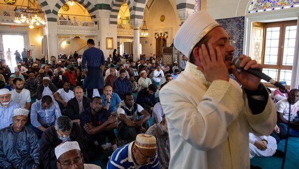 Una oración del Ramadán en un centro musulmán en el estado de Maryland (EEUU) - Sputnik Mundo