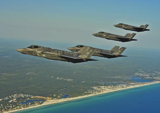 Cazas estadounienses F-35 (archivo)
