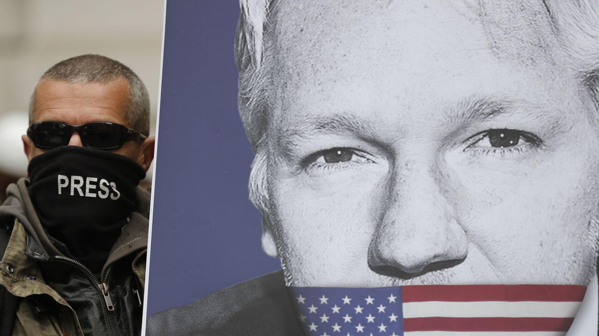 El retrato de Julian Assange - Sputnik Mundo, 1920, 04.06.2021