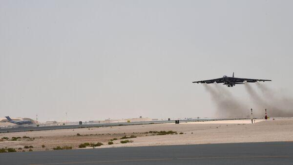 Un B-52H Stratofortress despega de la base aérea Al Udeid, Catar, 12 de mayo de 2019 - Sputnik Mundo