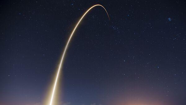 Cohete Falcon 9 de SpaceX - Sputnik Mundo