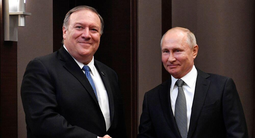 El secretario de Estado de EEUU, Mike Pompeo, y el presidente de Rusia, Vladímir Putin
